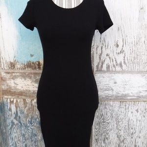 Black Short Sleeve Bodycon Midi Dress